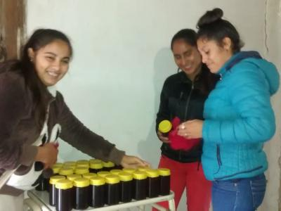 etiquetando miel